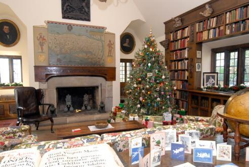 Holiday tour at Virginia House